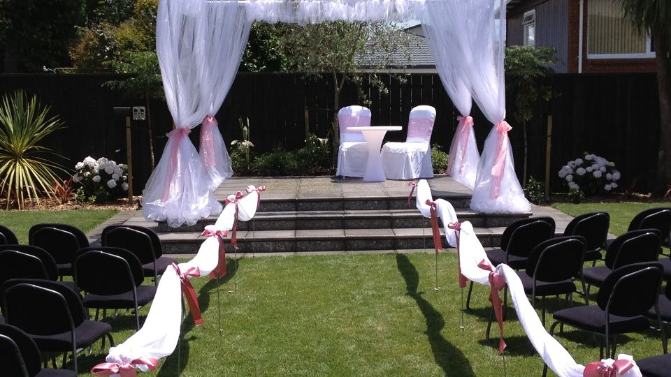 The Devon Hotel Outdoor Wedding Ceremony